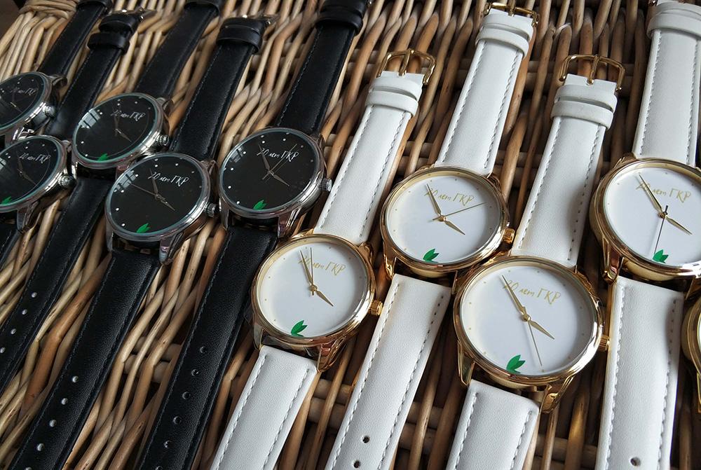 заказать часы с логотипом
