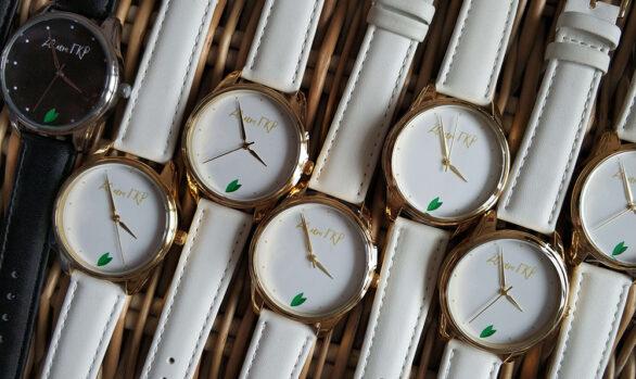 Нанесення логотипу на годинник наручний