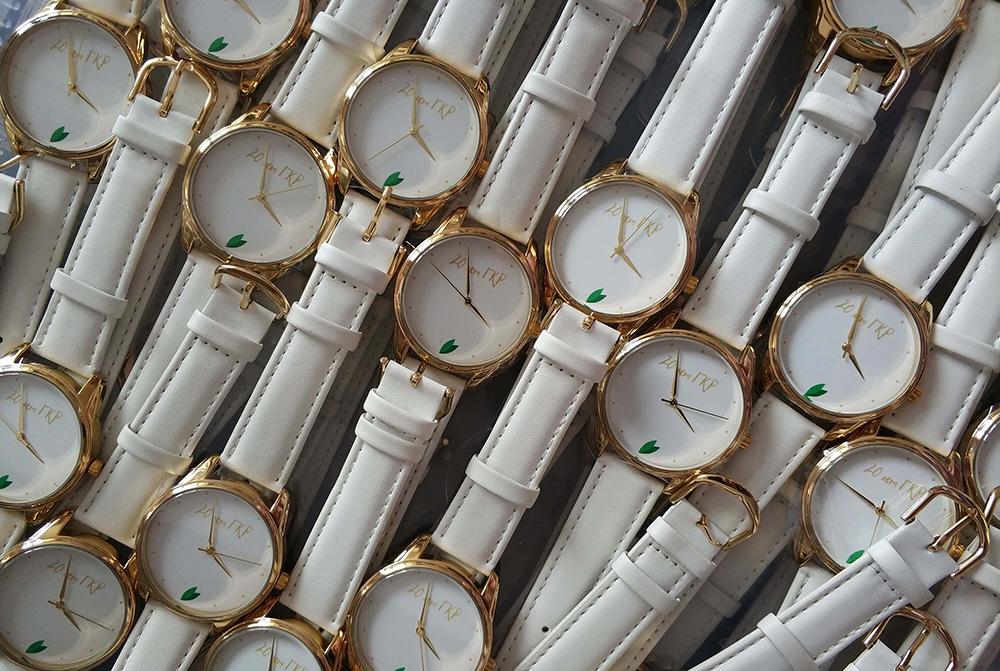 заказать часы с логотипом компании