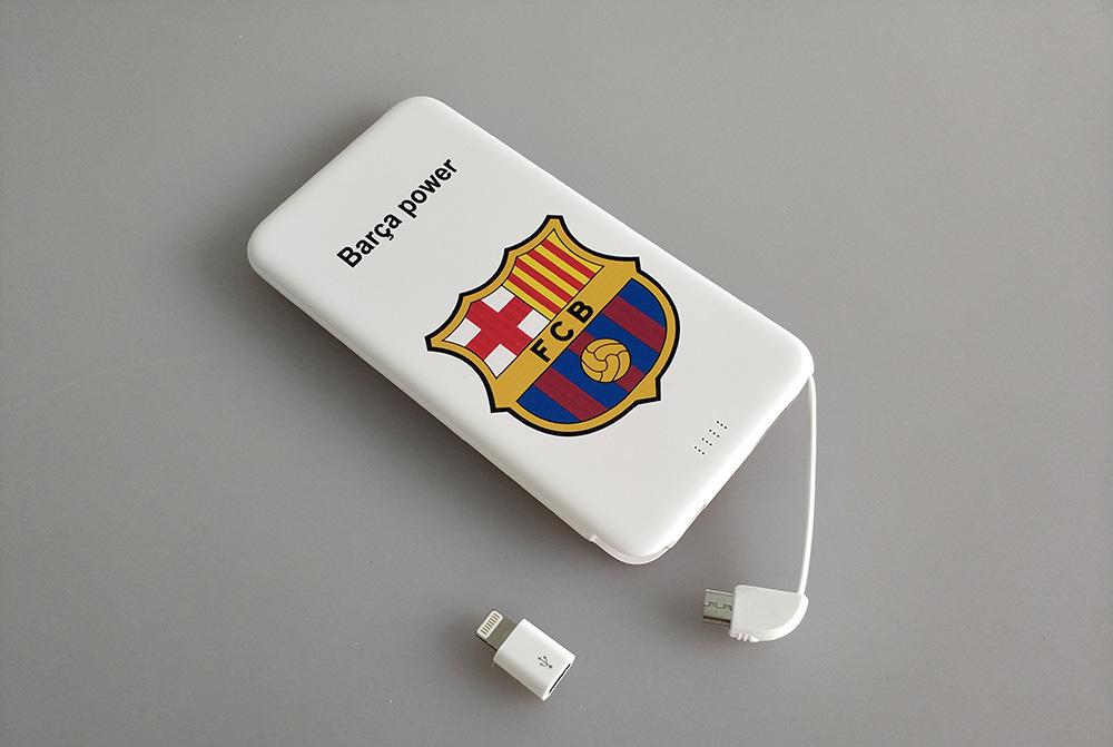 Повербанк с логотипом футбольного клуба