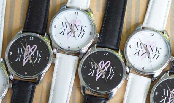 Наручний годинник з логотипом