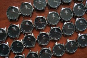 брендированные часы
