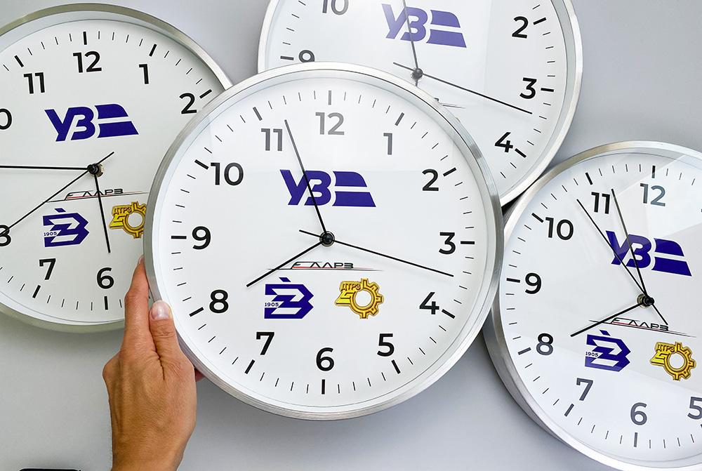 настенные часы с рисунком
