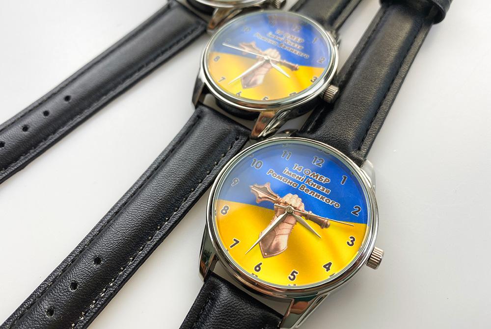 часы с гравировкой на заказ