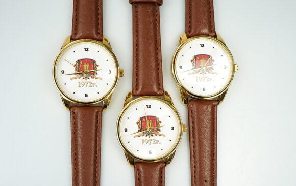 Нанесення логотипу на годинник