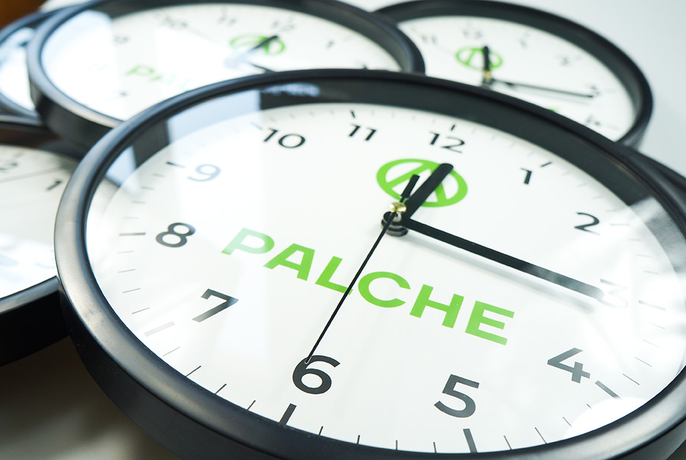 годинник настінний брендований