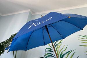 брендована парасолька