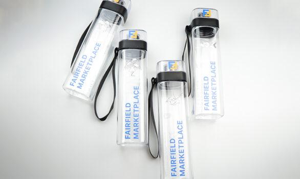 Пляшки для води з логотипом