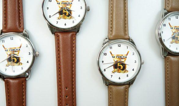 Наручний годинник в корпоративному стилі | Branding.ziz.ua картинка №6