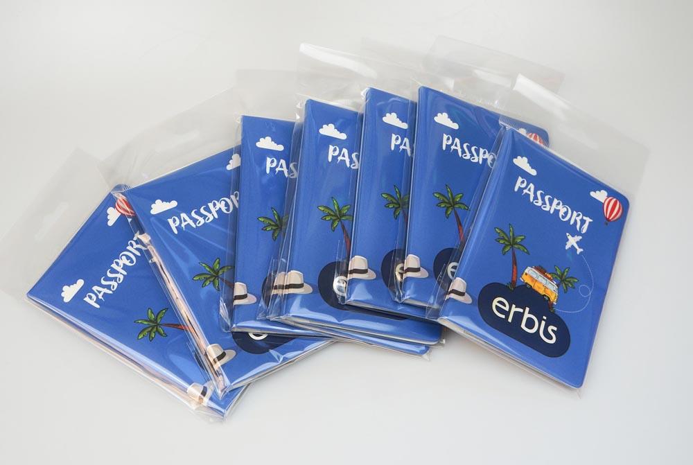 Подарки для турагентов. Обложки для паспорта с логотипом. картинка №4